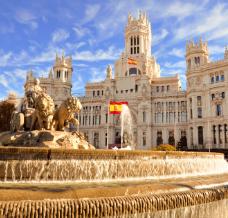 Co zabrać do Hiszpanii? Oto lista przydatnych rzeczy w męskiej walizce!