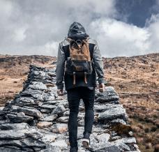 Co zabrać na wyjazd w góry? Niezbędnik mężczyzny