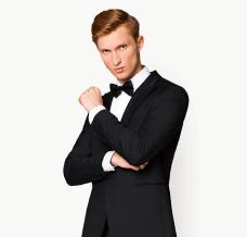 Jak ubiera się Daniel Craig? Style aktora z różnych filmów pod lupą Lancerto