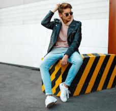 Jak nosić męskie sneakersy? Stylizacje przygotowane przez naszych stylistów