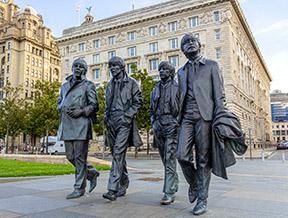 The Beatles i moda – jak zmieniła ją Wielka Czwórka z Liverpoolu?