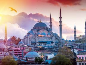 Co zabrać do Turcji? Niezbędne rzeczy w męskiej walizce