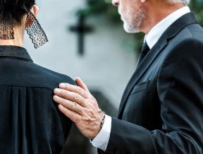 Jak się ubrać na pogrzeb, by było to stosowne? Męskie stylizacje