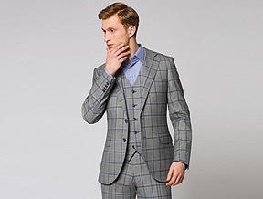Jasny garnitur na ślub i wesele – kiedy sobie na niego pozwolić?