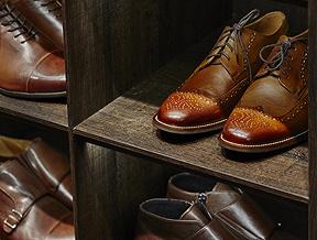 Jak dobrać kolor butów do garnituru?